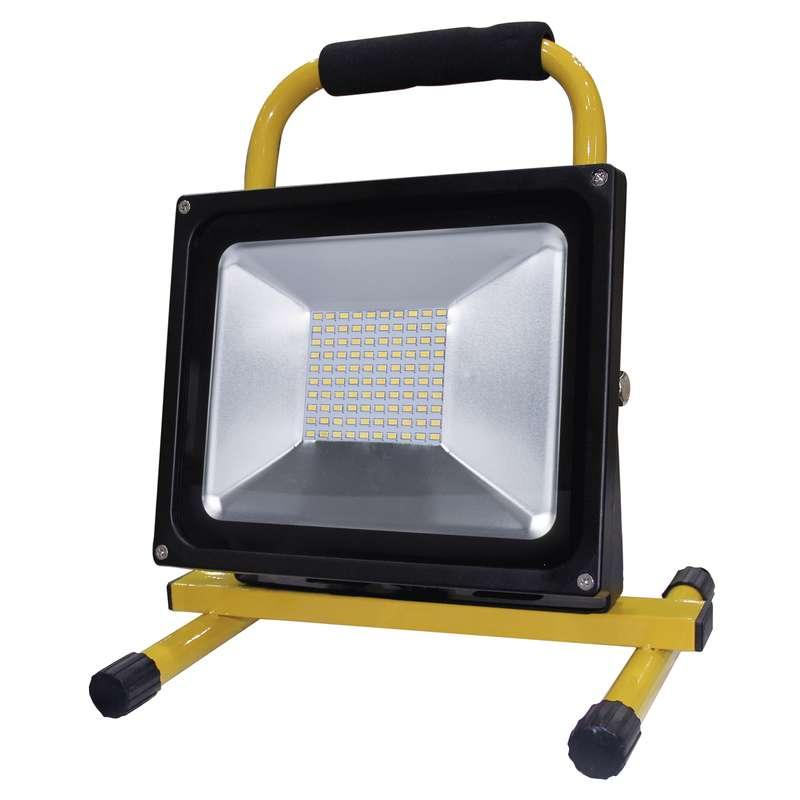 R8 prenosná LED lampa